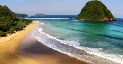 Pulau Merah : Fasilitas, Rute, Jam Buka, Harga Tiket dan Daya Tarik