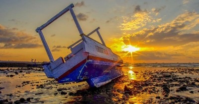 Pantai Manikin : Fasilitas, Rute, Jam Buka, Harga Tiket dan Daya Tarik