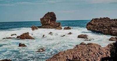Pantai Ngudel : Tiket Harga Masuk, Foto dan Lokasi