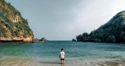 Pantai Ngrenehan : Tiket Harga Masuk, Foto dan Lokasi
