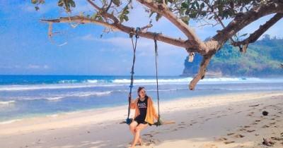 Pantai Ngalur : Tiket Harga Masuk, Foto dan Lokasi