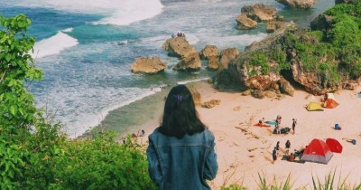 Pantai Ngrumput : Tiket Harga Masuk, Foto dan Lokasi