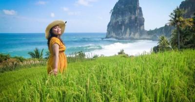 Pantai Pangasan : Tiket Harga Masuk, Foto dan Lokasi