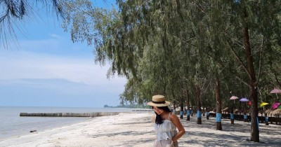 Pantai Sri Mersing : Tiket Harga Masuk, Foto dan Lokasi