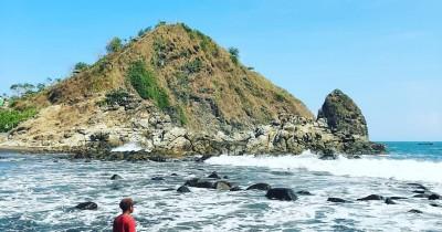 Pantai Payangan : Tiket Harga Masuk, Foto dan Lokasi