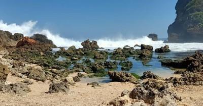 Pantai Sembukan : Tiket Harga Masuk, Foto dan Lokasi