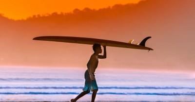 Pantai Pulau Merah : Tiket Harga Masuk, Foto dan Lokasi