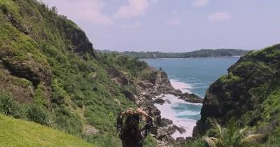 Pantai Siung : Tiket Harga Masuk, Foto dan Lokasi