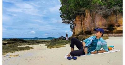 Pantai Reviola : Tiket Harga Masuk, Foto dan Lokasi