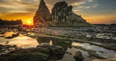 Pantai Tanjung Layar : Tiket Harga Masuk, Foto dan Lokasi