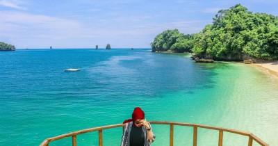 Pantai Tiga Warna : Tiket Harga Masuk, Foto dan Lokasi