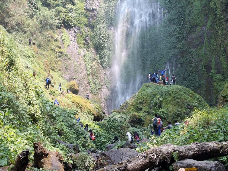 Air Terjun Pancuran Rayo Air Terjun Spektakuler Tertinggi Di Kabupaten Kerinci Tempat Me