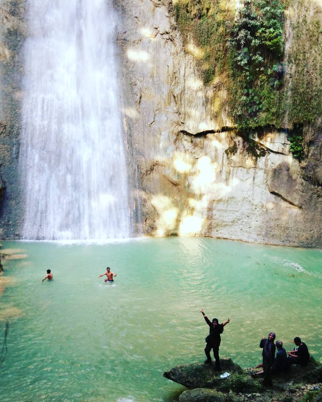 Air Terjun Samparona