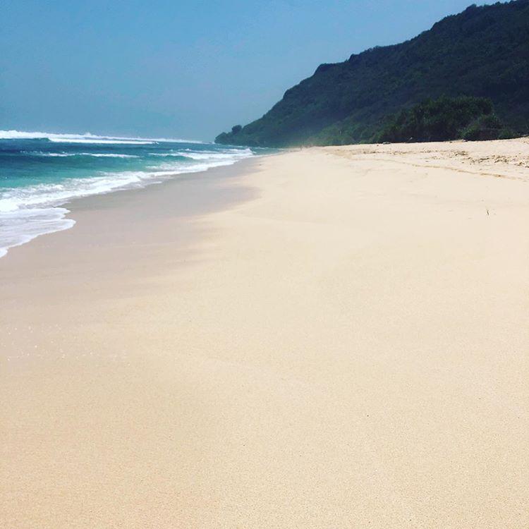 Pantai Nyang Nyang