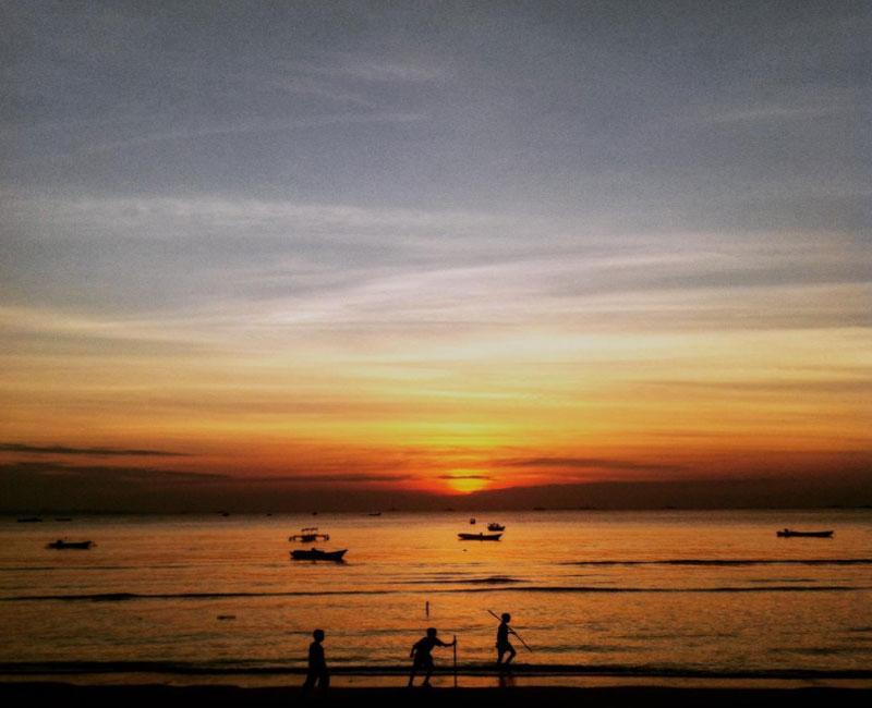 Pantai Batu Nona